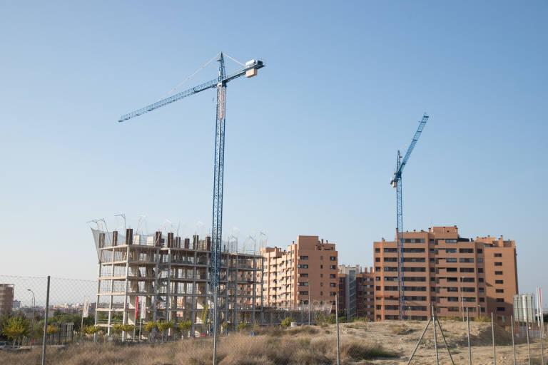 La Subdelegación avala la continuidad de las obras en construcción en la provincia